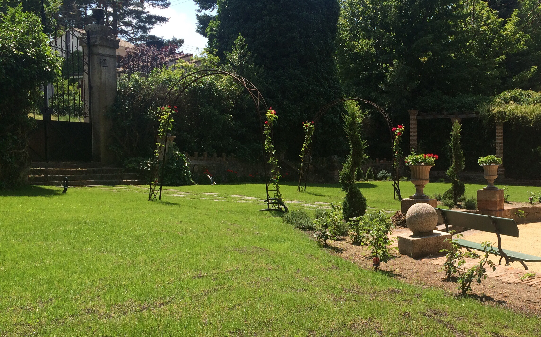 Restauración de jardín y casa-palacete del XIX