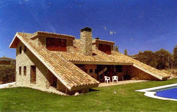 Casa de Piedra y Teja