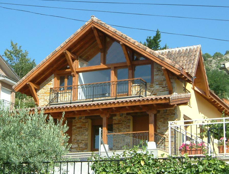 Elegir el tono de madera en exteriores manuel monroy - Exteriores de casas rusticas ...